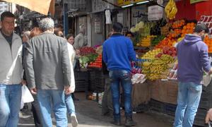 اتساع الفجوة بين الدخل والإنفاق يرفع نسبة الفقراء بسورية إلى 65 بالمئة