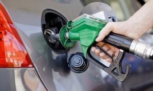 وزير النفط: وضع المشتقات النفطية مقبول وإلى تحسن في الفترة المقبلة