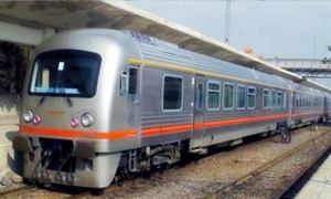 معاوزن وزير النقل: نحو 15 بالمئة فقط من السكك الحديدية في سورية صالحة فنياً وأمنياً