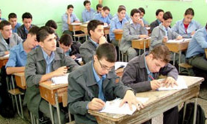 وزير التربية: السماح بفتح شعب بعشرة طلاب للأول الثانوي.. ولا صفحة للوزارة على