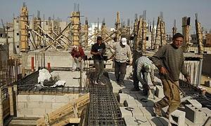 مسؤول: تراجع أعداد عمال البناء في سورية إلى 65 ألف عامل..وإنتاج الإسمنت يبخفض لـ25 مليون طن