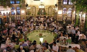 مطاعم دمشق تحتفي برمضان على طريقتها وسعر وجبة الإفطار 3000 ليرة والسحور1500 ليرة