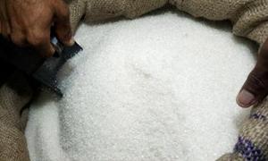 الاستهلاكية : بيع أكثر من 110 آلاف  طن سكر مقنن حتى حزيران الماضي.. ونسبة تغطية القسائم 90%