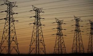 بتكلفة ملياري ليرة .. الكهرباء تنفذ خط توتر عال باستطاعة 400 ك ف بطول 60 كيلو متر