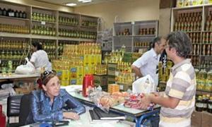 الخزن والتسويق: 25% نسبة التخفيض للمواد الأساسية..وصلاحية المواد المطروحة لا تقل عن 6 أشهر