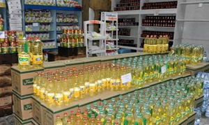 قرار حكومي بمنع المغادرين للأراضي السورية من إخراج أي مواد غذائية تحت طائلة المصادرة او الملاحقة