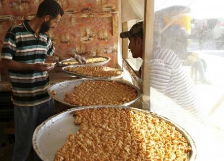 لأنهم الأفضل والأكثر خبرة ...السوريون يقتنصون فرص العمل في لبنان