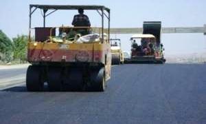 محافظة حماة توافق على تنفيذ مشروعات تزفيت لطرق خدمية بقيمة 16.7 مليون ليرة