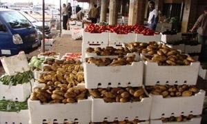 تموين دمشق ينظم 43 ضبطاً تموينياً في سوق الهال بيوم واحد
