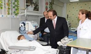 وزير الصحة: تحويل العيادات الشاملة إلى مشاف مصغرة لتلبية الاحتياجات الاسعافية.. والمخزون الدوائي الاسعافي كامل 100%