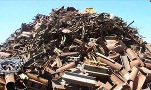 800 طن نفايات في معمل أحذية مصياف منذ تأسيسه.. احتراقها يؤدي إلى كارثة