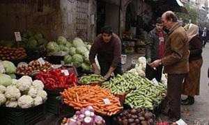 أسواق دمشق تشهد انخفاضاً في اسعار اللحوم.. والبطاطا والبندورة تحافظ على ارتفاعها