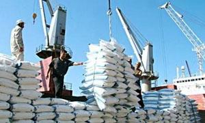 التجارة الخارجية تعلن عن مناقصة لشراء 276 ألف طن من السكر و138 ألف من الرز