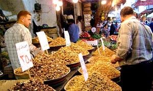 اختلاف بأسعار المواد الغذائية بين سوق وآخر في دمشق بنسبة 30%.. الخضار بإرتفاع والزيوت بإنخفاض