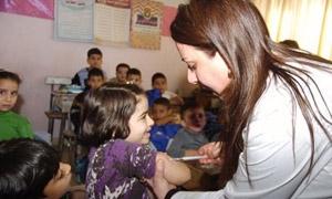 الصحة تبدأ حملة تلقيح لـ800 ألف طالب وأخرى لجميع الأطفال الخميس القادم