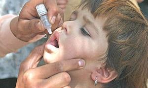 حملة التلقيح ضد شلل الأطفال تستهدف 1.5 مليون طفل ..والحملة مستمرة لشهرين بالمدارس ومراكز الإيواء
