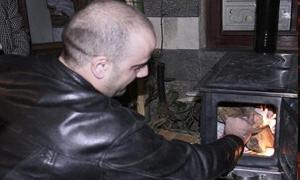 مع دخولنا لفصل الشتاء..اسعار المدافئ تكوي جيوب المواطنين في طرطوس.. ومدفأة الحطب بين 10و15  ألف ليرة