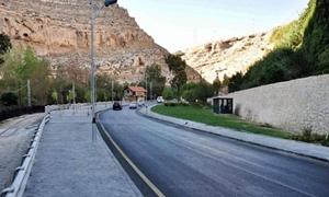 مدير المرور دمشق: إعادة طريق الربوة ذهاباً وإياباً وحلول لأزمة السير قريباً
