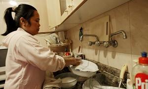 مشروع صك تشريعي لتشغيل العمالة السورية في الخدمات المنزلية والأسرية..وصدرو مرسوم استقدام الأجنبيات