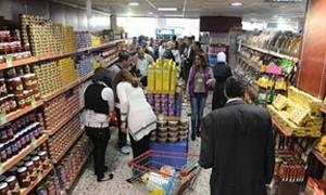 وزير التجارة الداخلية: 3 آلاف طن فروج مجمد من دول صديقة..ومولات حكومية لبيع الألبسة في الحريقة والصالحية قريباً