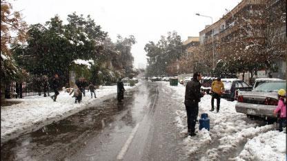 اليوم تتجدد العاصفة وغداً تنتهي...دمشق على موعد آخر مع الثلج والحرارة أدنى بنحو 10 درجات