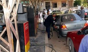 خمس محطات وقود في حلب تبدأ بيع البنزين بالسعر النظامي..و20 ليتر إسبوعياً
