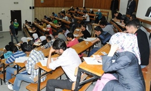 وزير التعليم العالي: هناك صلاحيات واسعة لرؤساء الجامعات.. والوزارة شرطي سير لتنظيم دخول الطلاب
