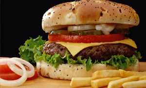 إغلاق مطعمي همبرغر بسبب التلوث الجرثومي في اللاذقية