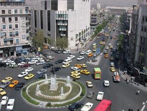 نصف مليون سيارة تجوب شوارع دمشق..90% على البنزين