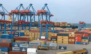 وزارة النقل: تركيب 4 روافع كهربائية بقدرة 16 طناً في مرفأ طرطوس