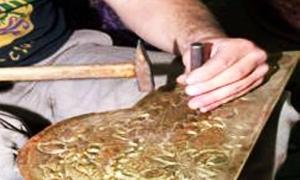 الجمعية الحرفية للصناعات اليدوية والخشبية توقف عدداً من المهن بسبب الأزمة