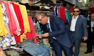 وزير التجارة يدعو تجار الألبسة إلى التقيد بالأسعار