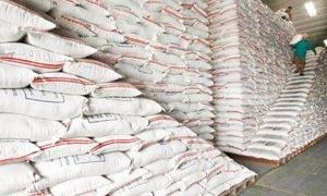 ضبط مستودعات تضم دقيق ومازوت ومواد غذائية مهربة في ريف دمشق