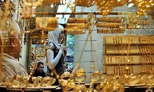 غرام الذهب يرتفع في دمشق 400 ليرة خلال أسبوع واحد..والأونصة الذهبية إلى 355 ألف ليرة