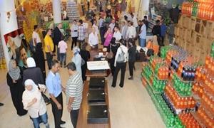 الاستهلاكية تقرر بيع سلة غذائية بقيمة 50 ألف ليرة بالتقسيط للعاملين في الدولة