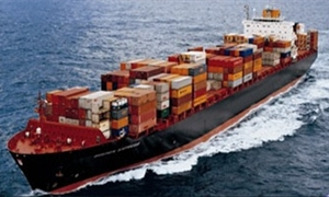 بعد روسيا .. إيران تطلق خط شحن بحري مع سورية