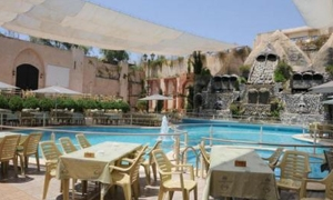 وزارة السياحة تضع آلية جديدة لترخيص مواقع العمل السياحي في الفنادق الخاصة والعامة