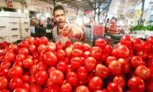 ارتفاع جنوني في أسعار الخضار في سورية بعد إغلاق معبر نصيب..وكيلو البندورة إلى 225 ليرة