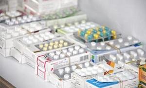 40% نقص الأدوية في طرطوس.. وتجار الأدوية يتحكمون بالأسواق وسط نقص نحو 11 صنفاً محلياً