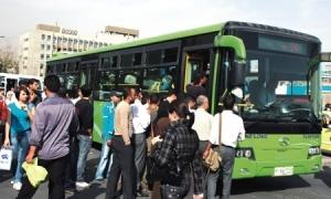 باصات النقل في دمشق من 700 لــ 30 باصاً!!.. والمحافظ يعد بحل مشكلة ضغط المواصلات