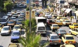 وزارة التجارة تحدد تعرفة أجور النقل للسيارات والسرافيس العاملة على البنزين  والبولمانات بين المحافظات