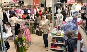 اسواق طرطوس: أكثر من  100% ارتفاع بأسعار ألبسة الأطفال والاحتكار يسود موسم الأعياد