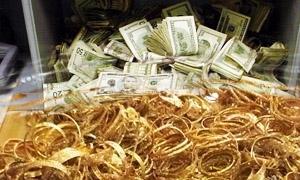 الكمية الأكبر خلال الأزمة.. ضبط 60 كغ من الذهب المسروق ومئات الملايين من العملات الأجنبية في حلب