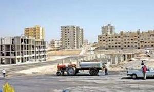محافظة إدلب تخصص 150 مليون ليرة لبناء 100 مسكن مسبق الصنع للاسر المهجرة