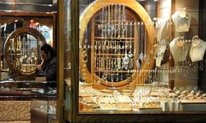 غرام الذهب في سورية يرتفع 250 ليرة ليبلغ 7650 ليرة خلال اسبوع..والليرة الذهبية السورية بـ63 ألفاً