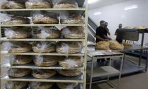 فارس الشهابي: أكثر من 25 ألف ربطة خبز في طريقها إلى حلب ومثلها بعد أيام