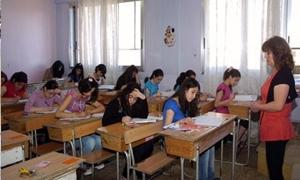 التربية ترد وتقول...العملية الامتحانية سارت بشكل جيد مع وجود المخالفات!!