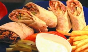 ارتفاع أسعار المأكولات الشعبية في سورية 35%.. الوجبة بدءاً من 700 ليرة وسندويشة الشاورما بـ300 ليرة