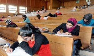 أكثر من 400 ألف طالب يقدمون امتحاناتهم في الجامعات السورية..و11 ألف خريج سنوياً بجامعة دمشق