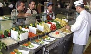 سندويشة الفلافل بـ100 و الشاورما الدجاج بـ250 ليرة.. المأكولات الشعبية تحت ضغط ارتفاع الأسعار وضعف الرقابة